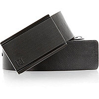 Black textured plate buckle belt