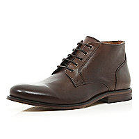 Brown round toe low boots