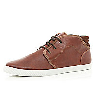 Brown contrast panel chukka boots