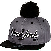 Grey New York print trucker hat