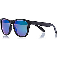 Black matte mirrored retro sunglasses