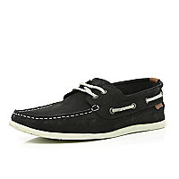 Black slim boat shoes