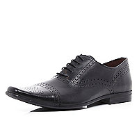 Black toe cap brogues