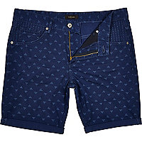 Blue pyramid print turn up shorts