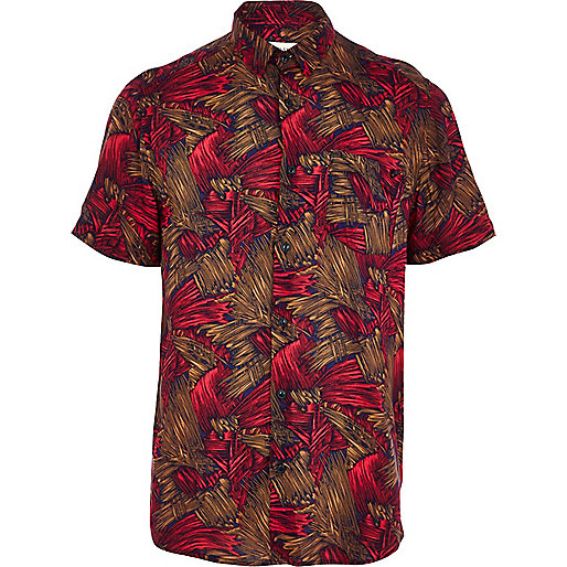 Red abstract print short sleeve shirt