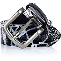 Black graffiti print belt