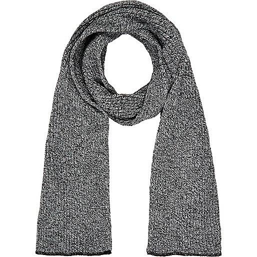 Black and white rib knit scarf