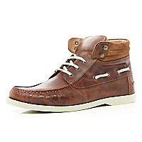 Brown boat ankle boots