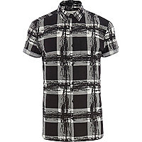 Black scratchy check short sleeve shirt