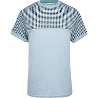 Blue tile print yoke crew neck t-shirt