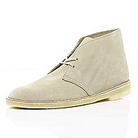 Sand Clarks Originals suede desert boots