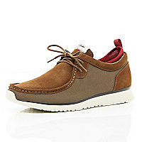 Brown Clarks hybrid Tawyer lace ups