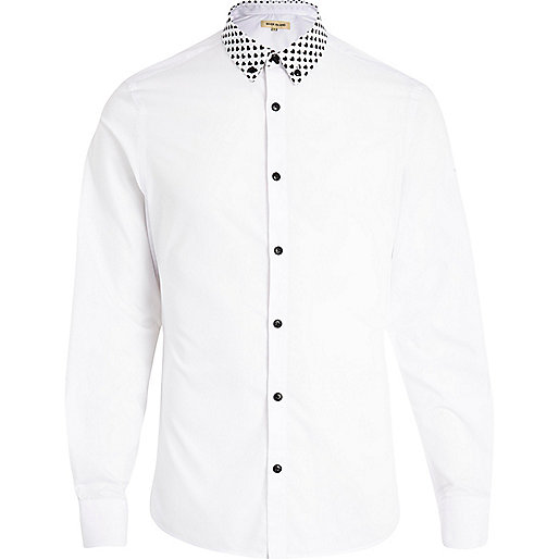 White heart print collar long sleeve shirt