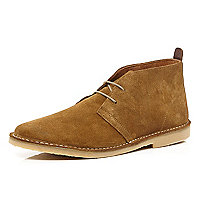 Tan lace up desert boots