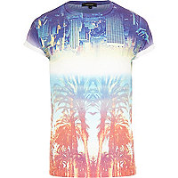 Blue city and palm tree print t-shirt