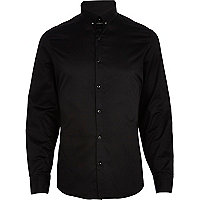 Black collar pin long sleeve shirt