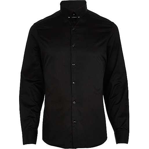 Black collar pin long sleeve shirt