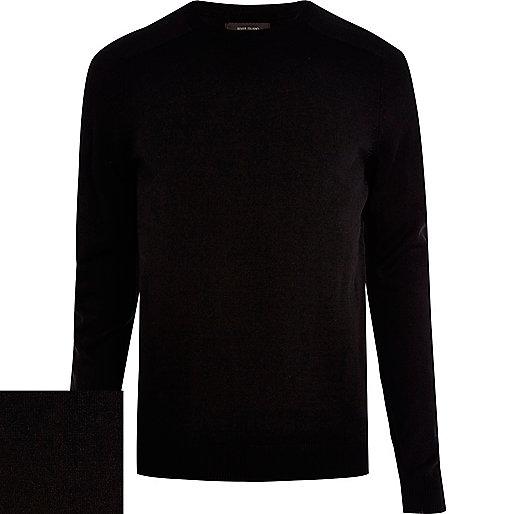 Schwarzer Pullover mit Raglanärmeln