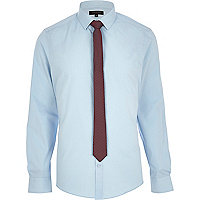 Light blue long sleeve shirt with tie