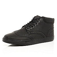 Black wingtip brogue chukka boots