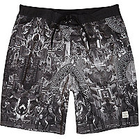 Black renaissance print long swim shorts