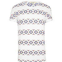 White aztec stripe print t-shirt