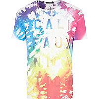 White Friend or Faux Cali print t-shirt