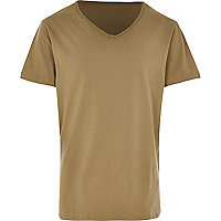 Green low scoop neck t-shirt