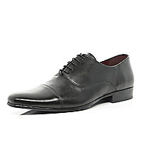 Black toe cap formal shoes
