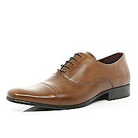 Tan toe cap formal shoes