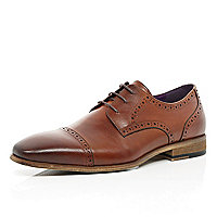 Tan leather toe cap brogues