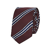 Burgundy diagonal stripe tie