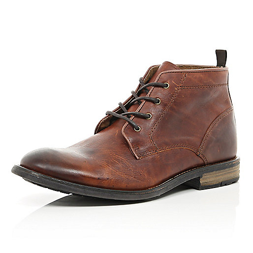 Tan leather lace up chukka boots