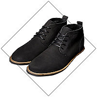 Black tumbled desert boots