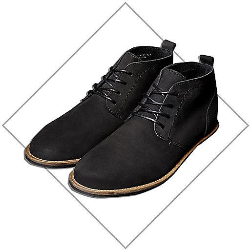 Black tumbled desert boots