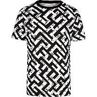 Black maze print short sleeve t-shirt