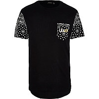 Black paisley sleeve leader t-shirt