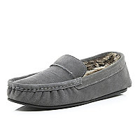 Grey moccasin faux fur slippers