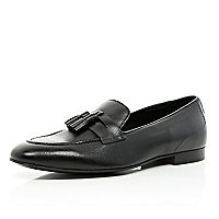 Black tassel trim loafers