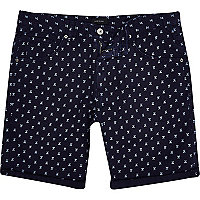 Navy arrow print turn up short