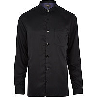 Black sleek long sleeve shirt