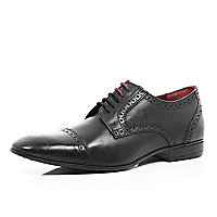 Black leather round toe brogues