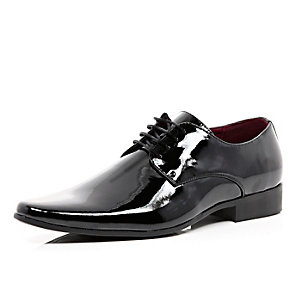 Black patent formal shoes