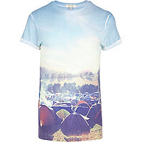 Blue festival print t-shirt