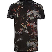 Black abstract floral print t-shirt