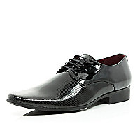 Black textured patent formal shoes