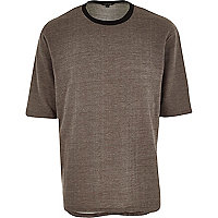 Brown crew neck t-shirt