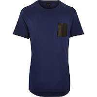 Dark blue curved hem contrast pocket t-shirt