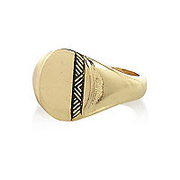 Gold tone small sovereign ring