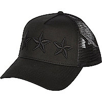 Black three star trucker cap